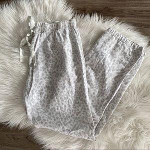 [gillian & o'malley] leopard flannel pajama pants